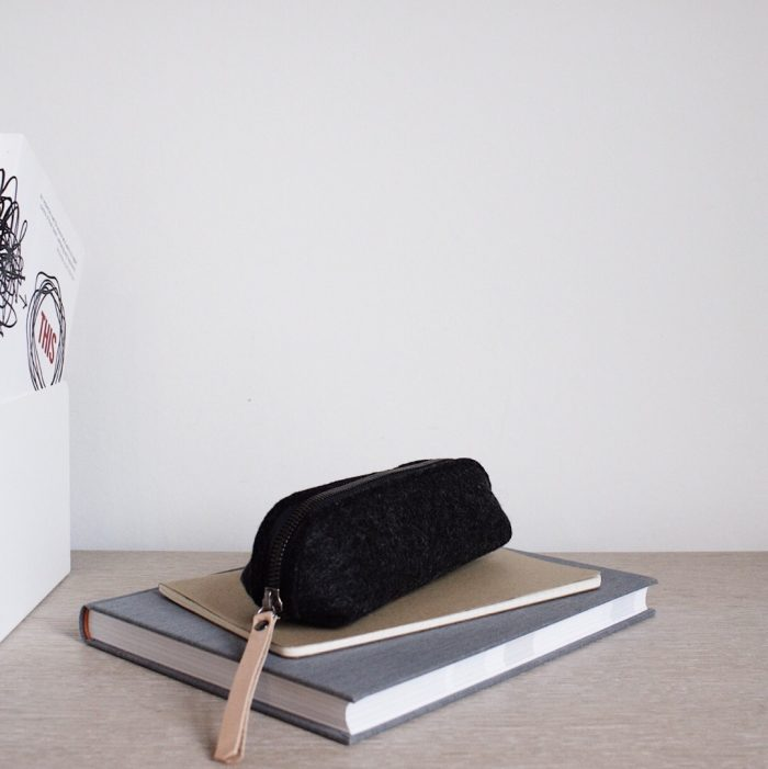by gitte wooly pouch black